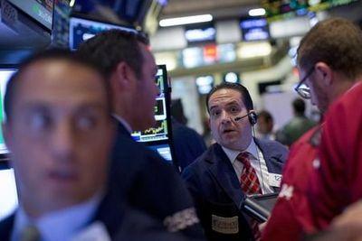 Borsa Milano incerta in avvio, debole Fiat Chrysler, denaro suPrelios